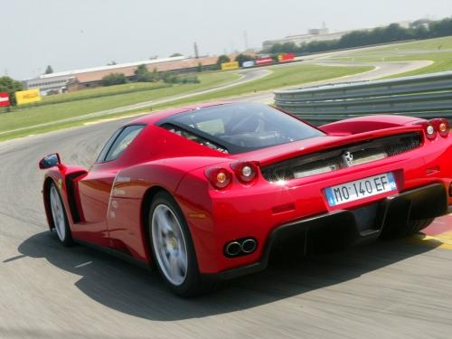 Ferrari-Enzo-040.jpg