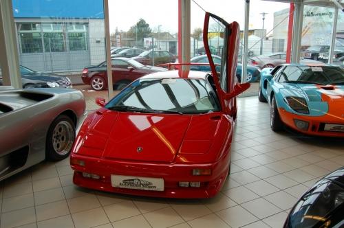 Lamborghini_Diablo%2C_1991.jpg