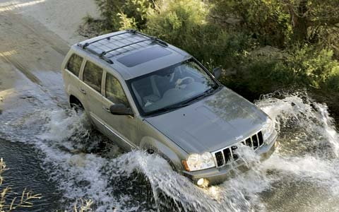 2005_Jeep_Grand_Cherokee.jpg