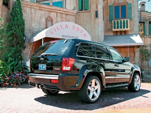 0705st_03_z+jeep_grand_cherokee_srt8+rear_passenger_side_view.jpg