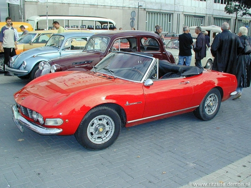 1968_Fiat_Dino_2000_spider_HQ.jpg