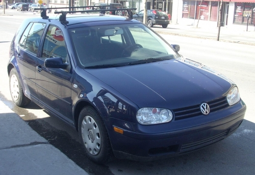 Volkswagen_Golf_Mk4_4-Door.jpg