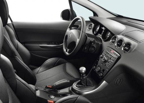 Peugeot 308 GTi 005.jpg