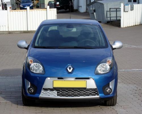 Renault_Twingo_II_Phase_I_GT_Front.jpg