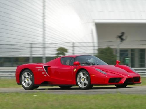 Ferrari-Enzo-042.jpg