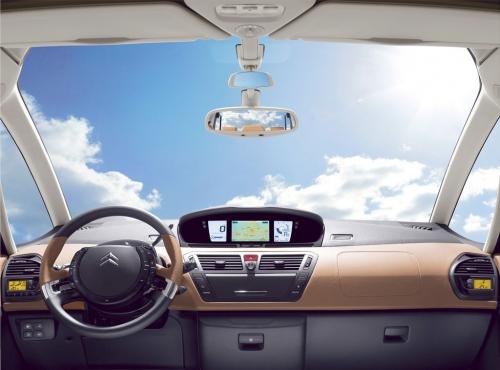 Citroen-C4-Picasso-interior-1-lg.jpg
