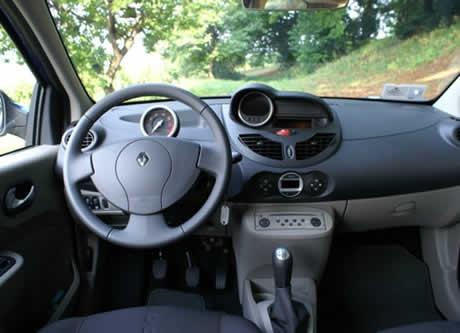 renault-twingo-gt-interior.jpg