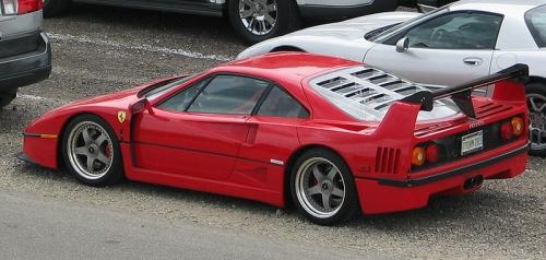 800px-Ferrari_F40.jpg