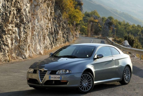 Alfa_Romeo-GT_2003_1024x768_wallpaper_02.jpg